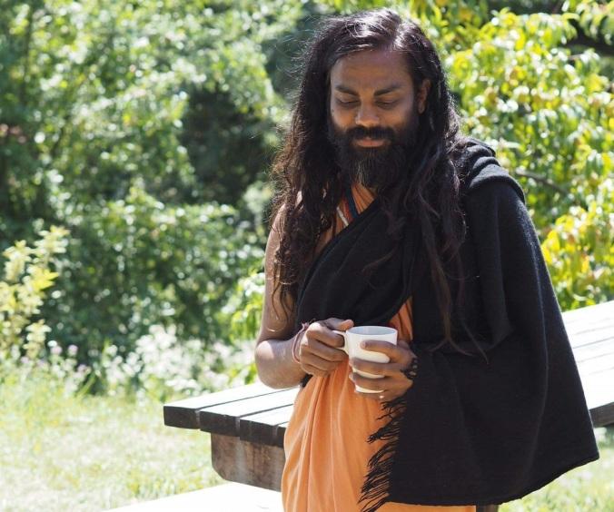 swami horiz